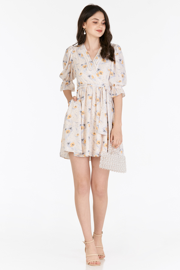 Kassia Sleeved Dress in Cream