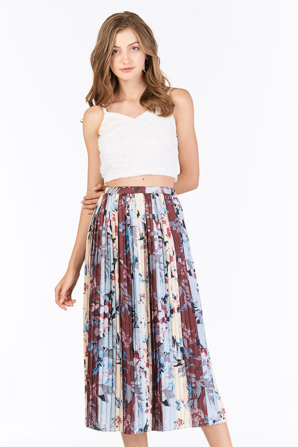Chysa Pleated Colourblock Midi Skirt in Powder Blue
