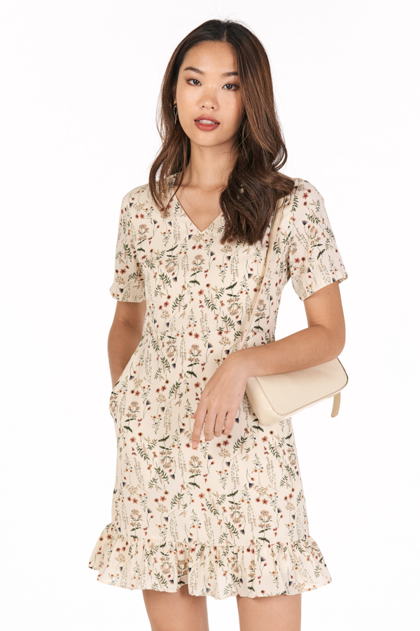 Delisa Sleeved Dress in Cream
