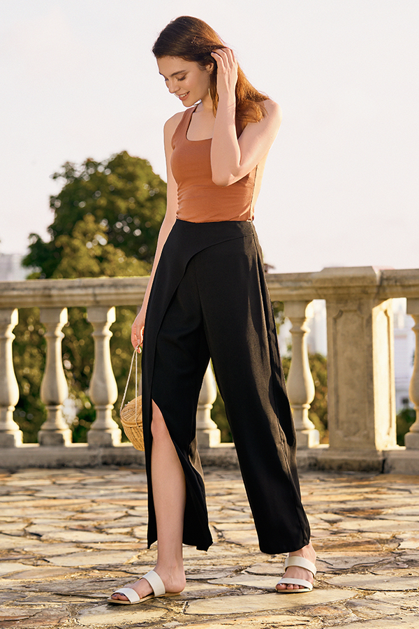 Ivanna Pants in Black