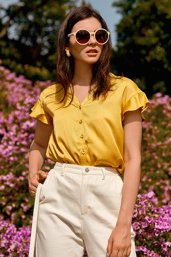 Mairi Buttoned Top in Daffodil