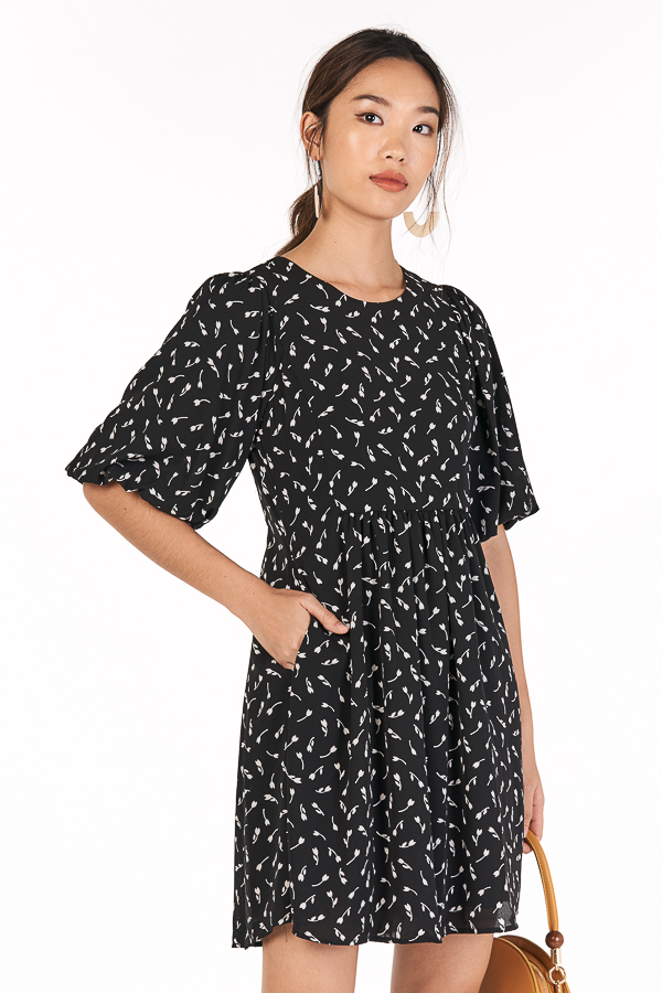 Bianca Sleeved Babydoll Dress in Black