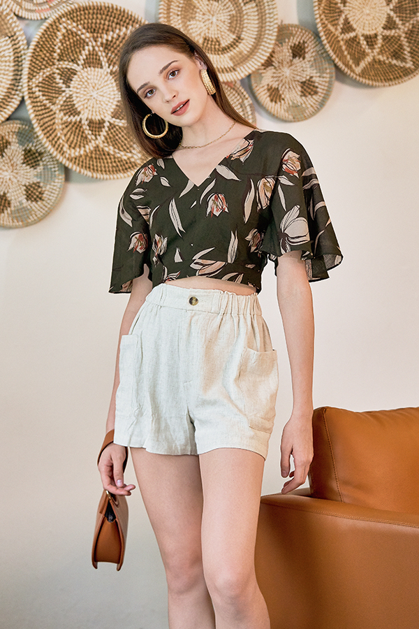 Lea Linen Shorts in Khaki