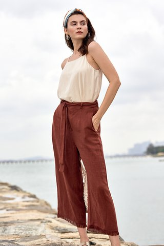 Darcy Frayed Pants in Rust