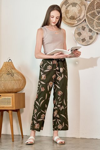 Finnea Linen Pants in Olive