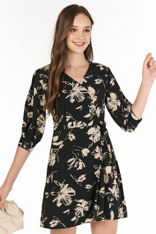 Analia Sleeved Dress in Black