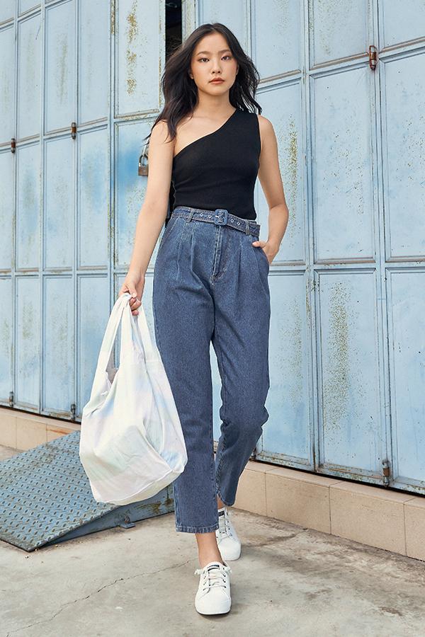 *Backorder* Hathaway Belted Denim Jeans