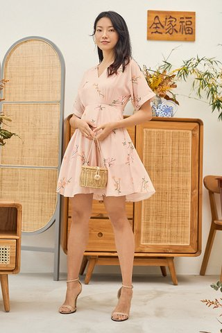 Ranosa Sleeved Dress in Light Pink